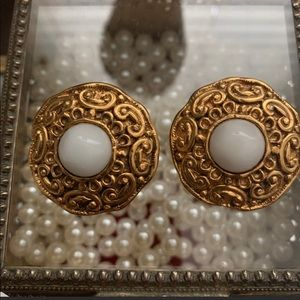 RARE Vintage Chanel gold and white agate clip ons